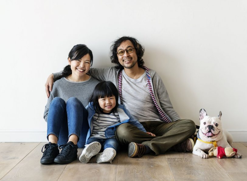 family with their puppy